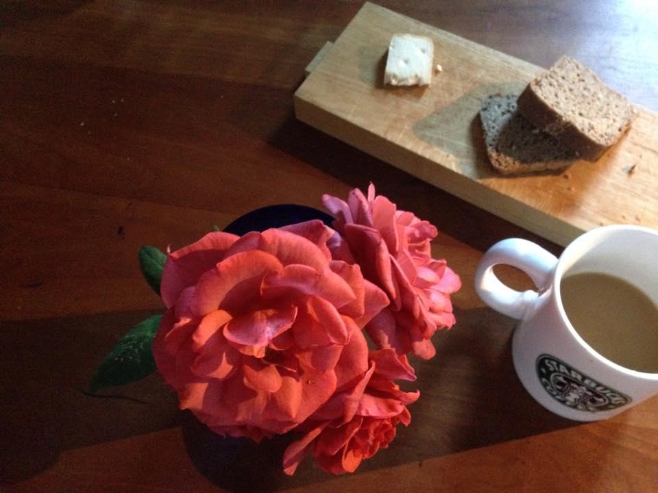 Z-Flower Design+_台風一過の朝に咲いたバラをアレンジにつかう_2014