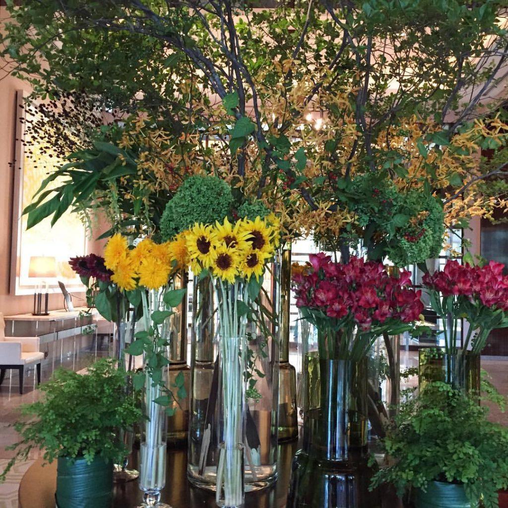 Z-Flower Design+_丸の内のホテルでブライダル装花_2016