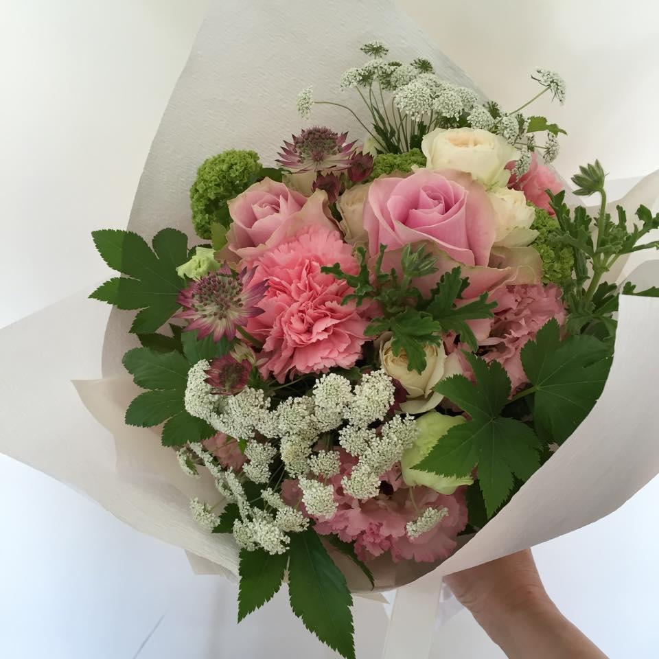 Z-Flower Design+_母の日の優しいピンクのナチュラルブーケを作りました_2015